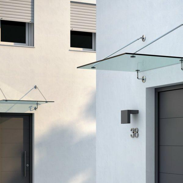 Marquesinas y voladizos de acero y vidrio